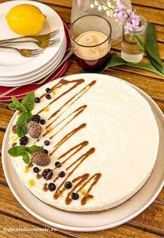 CHEESECAKE CU CIOCOLATA ALBA SI LAMAIE | Diva in bucatarie Vegan Desserts, Raw Food Recipes, Cake Recipes, Dessert Recipes, Romanian Food, Romanian Recipes, Vegan Kitchen, French Pastries, Something Sweet