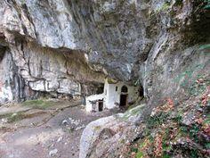 Kirchen, Greece, House Styles, Plants, Beautiful, Caves, Olympus, Rocks, Mountain