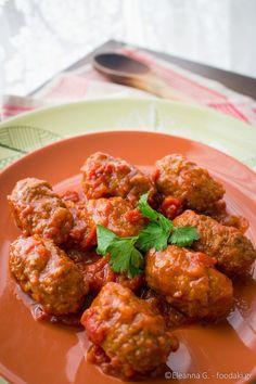 τα σουτζουκακια της γιαγιας – meatballs in tomato, wine and cumin sauce