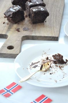 Brownie med bønner Brownies, Pudding, Desserts, Food, Cake Brownies, Tailgate Desserts, Deserts, Puddings, Meals