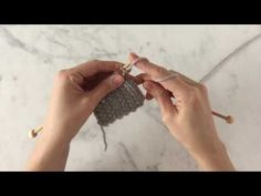 How to Make Zigzag Knitting Model? If you want to weave a weft, let's start by stapling the bottle Run the first thread in reverse. Spend the othe Rick Rack, Knitting Stitches, Knitting Needles, Baby Knitting, Start Knitting, Crochet Beanie, Crochet Hats, Crochet Motif, Crochet Patterns