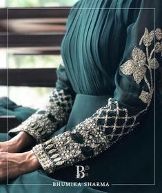 Planning to do your wedding shopping this month? Then you need to make note of these Designer Bridal Sale that are happening both online and in store. Kurti Embroidery Design, Couture Embroidery, Embroidery Fashion, Embroidery Dress, Bead Embroidery Patterns, Hand Embroidery, Stylish Dress Designs, Stylish Dresses, Trendy Outfits