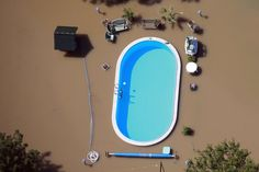 In June thousands of people fled their homes as deadly flood waters caused havoc across central Europe. Here a swimming pool is surrounded by flood water from the River Elbe near Magdeburg in Germany. Oscar Pistorius, Haha, Edward Snowden, Spiegel Online, Sims House, Tumblr Posts, Tumblr Funny, The Funny, I Laughed
