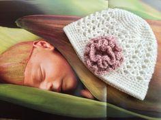 Bonnet naissance crocheté à la main