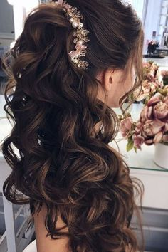 Aside from the practicality of choosing half-up hairstyles, half-down hairstyles are known for their versatility. To make your selection easier, we present you a list of trendy and beautiful looking half-up hairstyles! Wedding Hairstyles Half Up Half Down, Half Up Half Down Hair, Wedding Hair Down, Wedding Hairstyles For Long Hair, Wedding Hair And Makeup, Hairstyle Wedding, Wedding Nails, Wedding Bride, Half Updo