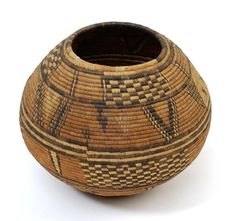 Africa | Basket from the Hausa people of Nigeria | 20th century