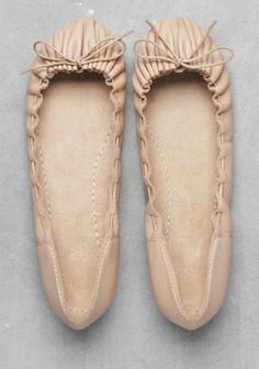 Such a sweet, little shoe... & Other Stories | Nude Ballerinas #flats #ballet