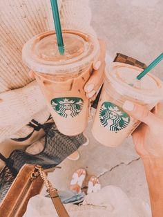Starbucks Drinks, Starbucks Coffee, Iced Coffee, Coffee Drinks, Coffee Is Life, Coffee Time, Morning Coffee, Aesthetic Coffee, Aesthetic Food