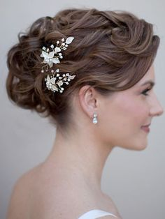 Flower Hair Pin Accented with Pearls and Rhinestones