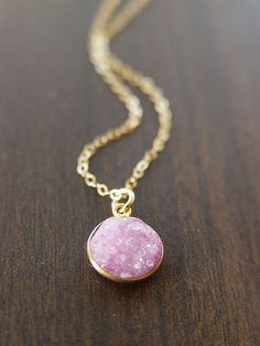 Delicate Pink Druzy Necklace Gold by friedasophie on Etsy Cute Jewelry, Jewelry Box, Jewelry Accessories, Fashion Accessories, Fashion Jewelry, Jewelry Making, Druzy Jewelry, Diamond Jewellery, Wedding Accessories