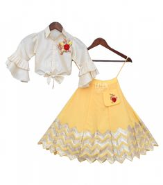 Pre-Order: Off-White Knotted Top with Yellow Gota Lehenga Kids Party Wear Dresses, Kids Dress Wear, Little Girl Outfits, Kids Outfits Girls, Little Girl Dresses, Kids Ethnic Wear, Kids Indian Wear, Kids Frocks Design, Kids Lehanga Design