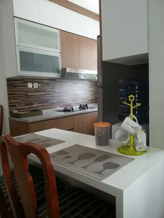 Raffles hills blok N: kitchen with small corner where our children have breakfast..