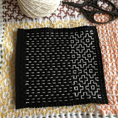 Discover recipes, home ideas, style inspiration and other ideas to try. Simple Embroidery, Japanese Embroidery, Hand Embroidery Designs, Embroidery Art, Cross Stitch Embroidery, Embroidery Patterns, Shashiko Embroidery, Boro Stitching, Japanese Quilts