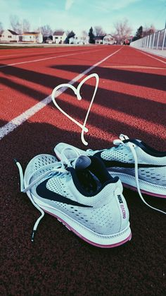 Discover recipes, home ideas, style inspiration and other ideas to try. Running Track, Running Workouts, Running Tips, Running Shoes, Nike Running, Track Pictures, Running Pictures, Running Motivation, Fitness Motivation