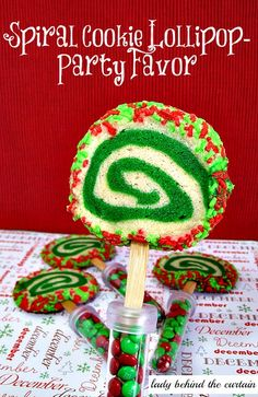 Lady Behind The Curtain - Spiral Cookie Lollipop-Party Favor Xmas Food, Christmas Sweets, Christmas Goodies, Holiday Desserts, All Things Christmas, Fun Desserts, Handmade Christmas, Xmas Recipes, Best Dessert Recipes