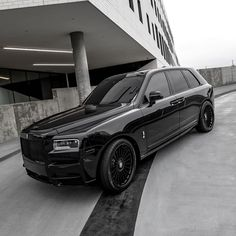 Fancy Cars, Cool Cars, Platinum Group, Rolls Royce Cullinan, Shoes Wallpaper, Rolls Royce Cars, Lux Cars, Mitsubishi Outlander, Car Girls