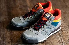 New Balance announces its boot for Fall/Winter this urban boot is an example of trail running technology reborn as casual style. New Balance Hiking Shoes, New Balance Boots, Best Hiking Shoes, Hiking Boots, New Blance Shoes, Gold Ankle Boots, Nike Converse, Vintage Sneakers, Kinds Of Shoes