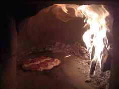 That's my pizza oven and once you've had pizza from it, you'll never want anything else.