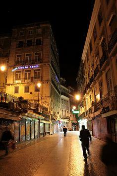 L1S3ON | Dawn 2 Dusk  Atmospheric nights of the Lisbon. Eu te amo com todo meu coração, Lisboa! With all my heart, Lisbon ♥