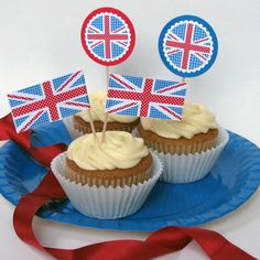 Free Diamond Jubilee printables by Paperspice. 1940s Party, Cupcake Toppers Free, London Party, Going Away Parties, Queen Birthday, Cupcake Display, Cake Bars, Train Journey, London Calling