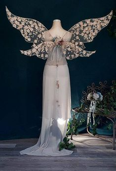 Kimmy Style Stunning Fairy Wedding Wings Sold Order Your Makeup Carnaval, Fairy Cosplay, Fantasias Halloween, Fairy Dress, Fantasy Dress, Bridesmaid Flowers, Fabric Decor, Faeries, Wedding Colors