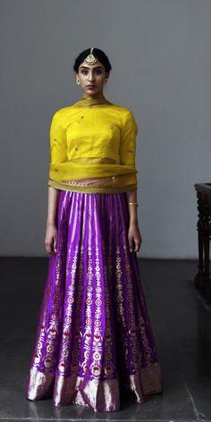 Kurta Skirt, Kurti, Stylish Dresses, Casual Dresses, Girls Dresses, Indian Dresses, Indian Outfits, Saree Color Combinations, Fashion Maker