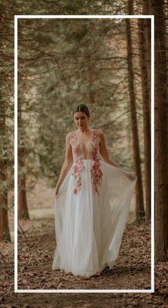 10 novelle- Foto: @ainhoarinconfotografia One Shoulder Wedding Dress, Wedding Dresses, Fashion, Vestidos, Brides, Bride Dresses, Moda, Bridal Gowns, Fashion Styles