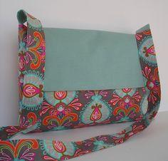 Messenger Bag / Laptop Bag / Crossbody Bag / by jazzygeminis