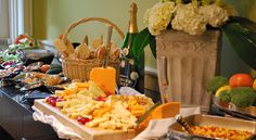The Univesity Club Louisville is the perfect place to host your reception, reheasal dinner, engagement party or bridal luncheon.