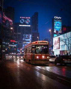 Toronto Toronto Ontario Canada, Toronto City, Toronto Photography, Canadian Art, City Lights, Marketing Digital, Explore, Color Script, Red Umbrella