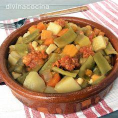 Este pisto de calabaza es un plato sencillo y fácil de preparar que puedes ajustar a tus gustos eliminando o añadiendo alguna verdura. Si quieres aligerarlo puedes suprimir la patata. Pisto de calabaza  Ingredientes para 6 personas  1 calabacín pequeño1 trozo de calabaza1 patata mediana1 berenjena pequeña1 puñado de judías verdes1 zanahoria1 cebolla1 tomate1 pimiento2 dientes de ajo1 trozo grande de chorizo de guisoAceite de oliva, pimentón, sal y pimienta  Elaboración  Lavamos, pelamos y…
