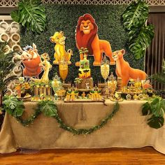 First Birthday & 60 adorable party decoration ideas for a nice celebration post First Birthday & 60 adorable party decoration ideas for a nice celebration appeared first on Dekoration. Birthday 60, Lion Birthday Party, Jungle Theme Birthday, Lion King Birthday, First Birthday Party Themes, Baby Boy 1st Birthday, Disney Birthday, Birthday Celebration, Safari Theme