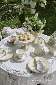 Aiken House and Gardens: A White Garden Tea