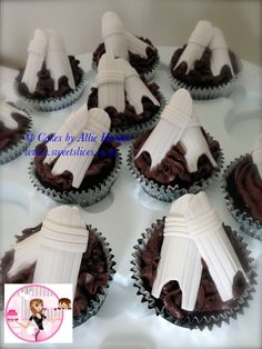 Cricket pads cupcakes for cricket themed party 7th Birthday Party Ideas, Birthday Favors, Boy Birthday Parties, Birthday Cake, Fondant Cakes, Cupcake Cakes, Cupcakes, Cricket Cake, Themed Cakes