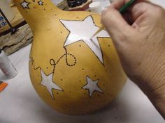Gourd+Birdhouses+Instructions | Outtamygourd - HOW TO CLEAN A GOURD AND MAKE A BIRD HOUSE OUT OF IT.