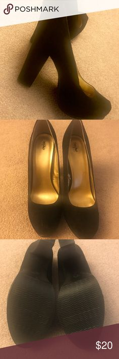 Mossimo 8.5 excellent condition platform heels Mossimo black heels with hidden platform. Excellent condition. Mossimo Supply Co. Shoes