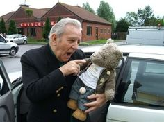 The Late Great Sir Norman Wisdom Meets Woop Woop The Famous Globe Trotting Bear. Norman Wisdom, Laughing And Crying, Just Amazing, Funny People, Comedians, Bear, Globe, Speech Balloon, Bears