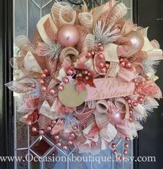 Ideas for double front door wreaths deco mesh Rose Gold Christmas Tree, Rose Gold Christmas Decorations, Shabby Chic Christmas, Christmas Diy, Christmas Ornaments, Christmas Trees, Shabby Chic Xmas Wreaths, Holiday Decorations, White Christmas