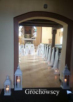 dekoracja kościoła Człuchów białe róże i tiul dekoracje ławek