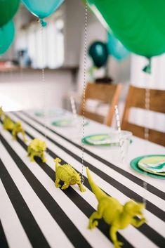 New dinosaur birthday party games baby shower 52 Ideas Dinosaur Birthday Party, 4th Birthday Parties, Birthday Fun, Birthday Ideas, Children Birthday Party Ideas, Dinasour Birthday, Animal Themed Birthday Party, Birthday Party Centerpieces, Birthday Decorations