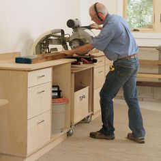 Building Custom Picture Frames - Fine Woodworking ~ nice bench for saw...