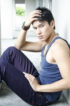 Enchong Dee - he's so handsome, agree? Some Like It Hot, Hot Couples, Miss World, World's Most Beautiful, Beauty Pageant, Pinoy, Drawing People, Handsome Boys, Movie Stars