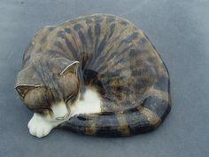 MIKE HINTON STUDIO POTTERY CAT