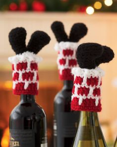 Santa Bottle Toppers - Crochet. ❉CQ #crochet #christmas #holiday #homemade #gifts #crafts #DIY
