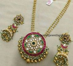 The Love for jewelry requires yourself to be updated with the latest trends and fashions each day. We have been sharing the latest Kundan Jhumka designs with our viewers and here comes the most exciting of all #GoldJewelleryKundan