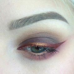 make-up beautiful eyeliner eye shadows pink rose gold liquid eyeliner eye makeup Makeup Trends, Makeup Inspo, Makeup Art, Makeup Inspiration, Fall Makeup, Makeup Style, Hair Trends, Makeup Goals, Makeup Tips