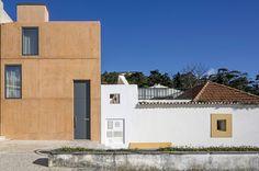 PALMELA,  südöstlich von Lissabon,  PRIVATHAUS - AUF DEM WEG? LOHNT NUR BEI BES Wohnhaus in Portugal / Aus Holz mach Beton - Architektur und Architekten - News / Meldungen / Nachrichten - BauNetz.de Paratelier