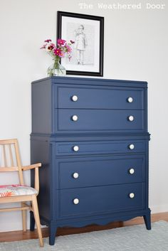 Come check out this gorgeous Thomasville Stacked Hepplewhite Dresser in Navy! The before picture is so boring, such a pretty furniture makeover!