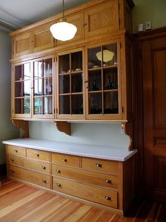 All you need is to adapt the kitchen pantry closet design ideas we are about to show you, and you will be set for having the best pantry you know you need. Old Kitchen, Kitchen Redo, Country Kitchen, Kitchen Remodel, Kitchen Pantry, Pantry Closet, Antique Kitchen Cabinets, Kitchen Ideas, Pantry Storage Cabinet
