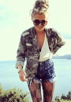 Personally love this outfit - army jacket, white tank top and ripped denim shorts! The tan is a bonus ♥ summer fun look Fashion Moda, Look Fashion, Teen Fashion, Autumn Fashion, Fashion Outfits, Fashion Trends, Mode Style, Style Me, Only Shorts